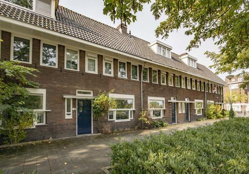 Parallelweg 15 in 'S-Hertogenbosch 5223 AK