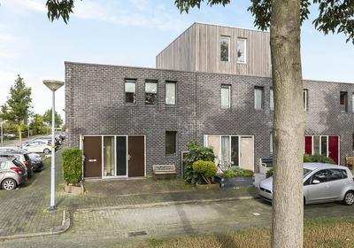 Loenerveld 2 in Nieuw-Vennep 2151 JL