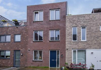 Mazustraat 32 in Almere 1363 RE