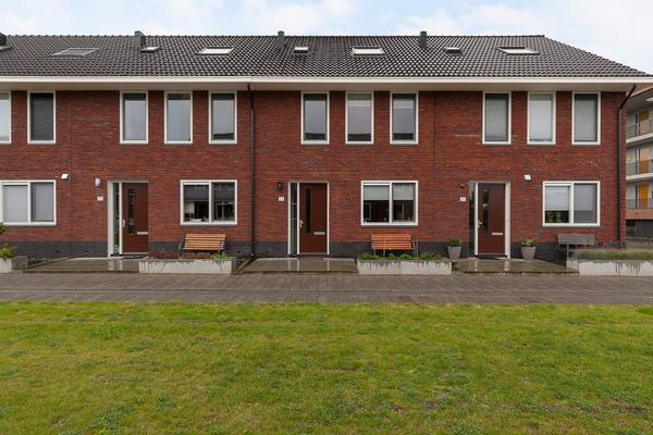 Rusalkastraat 25 in Apeldoorn 7323 TD