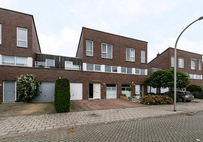 Hoefsmidstraat 2 in Delfgauw 2645 KA