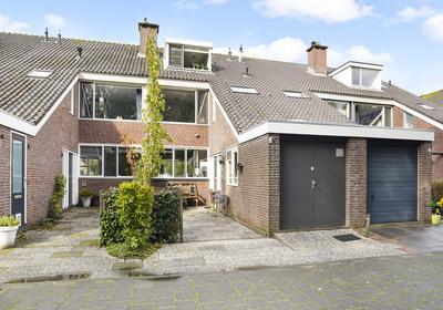 Van Vegtenplantsoen 19 in Koudekerk Aan Den Rijn 2396 VK