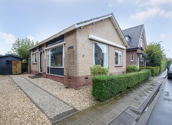 Julianastraat 35 in Lekkerkerk 2941 BB