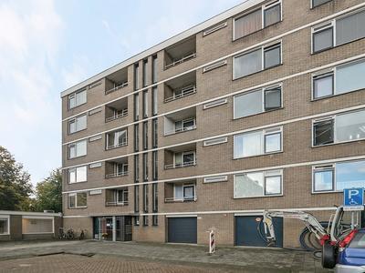 Edmond Hellenraadstraat 106 in Rotterdam 3067 NT