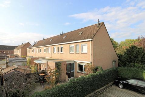 Hildo Kropstraat 82 in Steenwijk 8331 SP