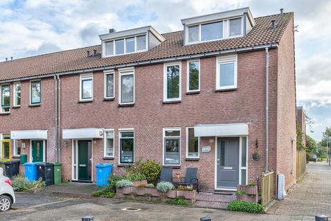 Adriaan Roland Holststraat 32 in Rotterdam 3069 WK