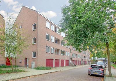 Zuid-Hollandstraat 32 2 in Amsterdam 1082 EK