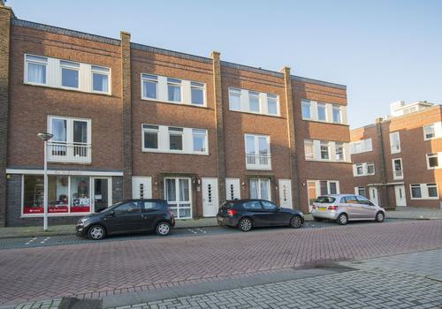 Schooldwarsstraat 100 in Papendrecht 3351 AT