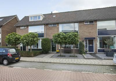 Jan Luykenstraat 5 in Waddinxveen 2741 AZ