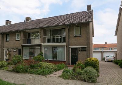Johannes Vermeerstraat 20 in Terneuzen 4532 HE