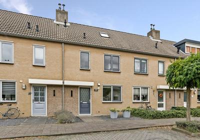 Herman Gorterlaan 11 in Raamsdonksveer 4942 EA