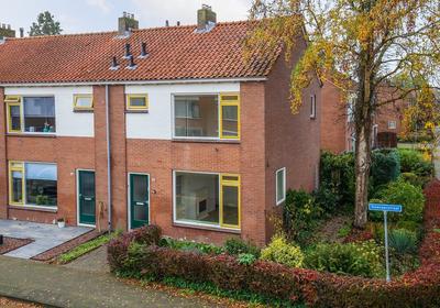 Ooievaarstraat 38 in Kampen 8262 AN