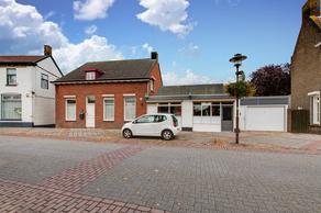 J.F. Vlekkeplein 12 in Stampersgat 4754 AC