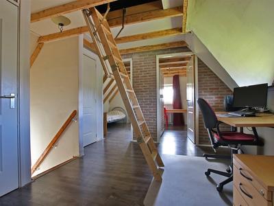 22 trapopgang naar opbergzolder