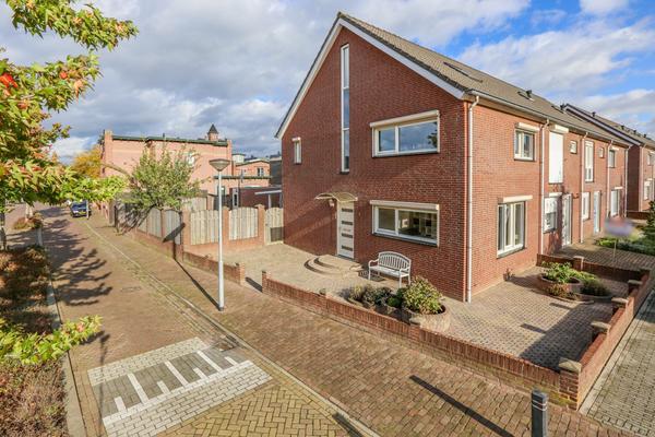 Agaat 1 in Venlo 5912 SE