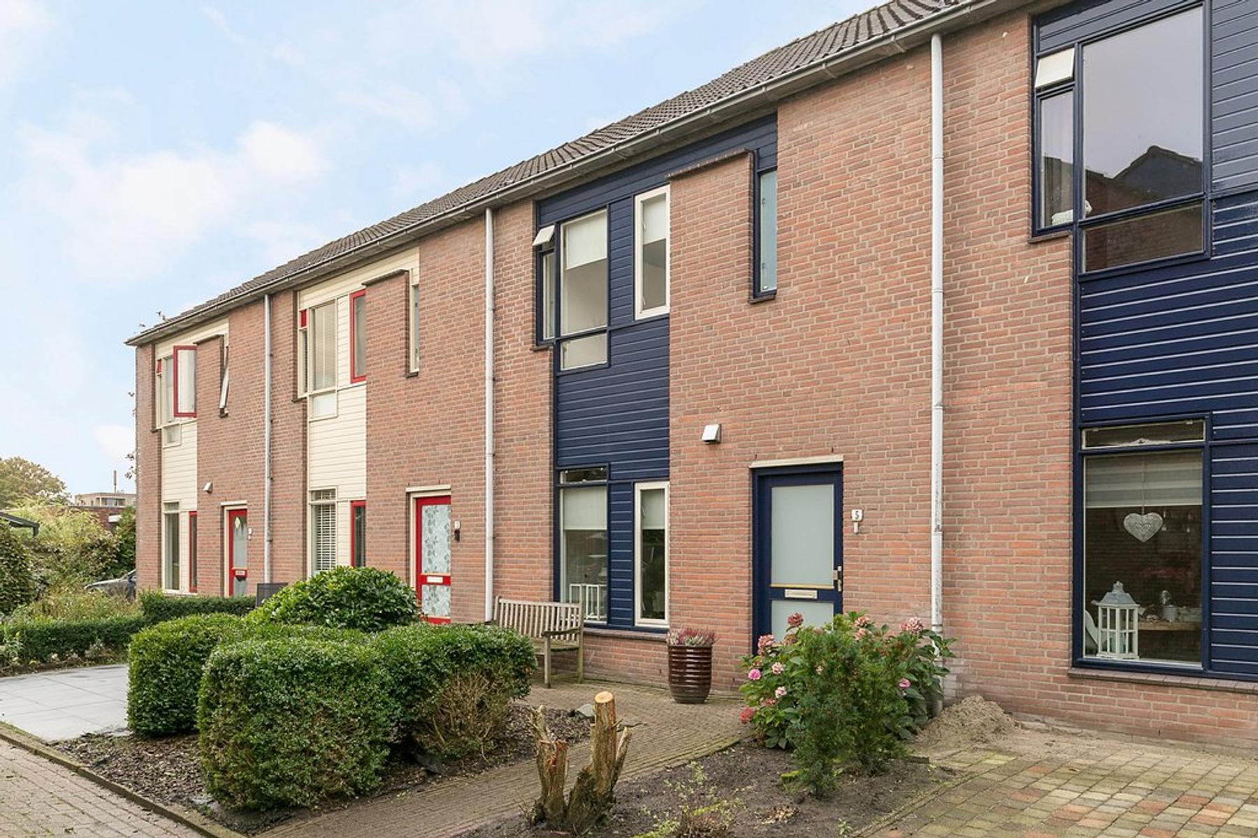 Dovenetel 5 in Heerenveen 8446 SH