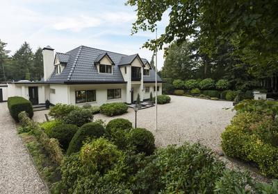Van Oosthuyselaan 35 in Driebergen-Rijsenburg 3971 PD