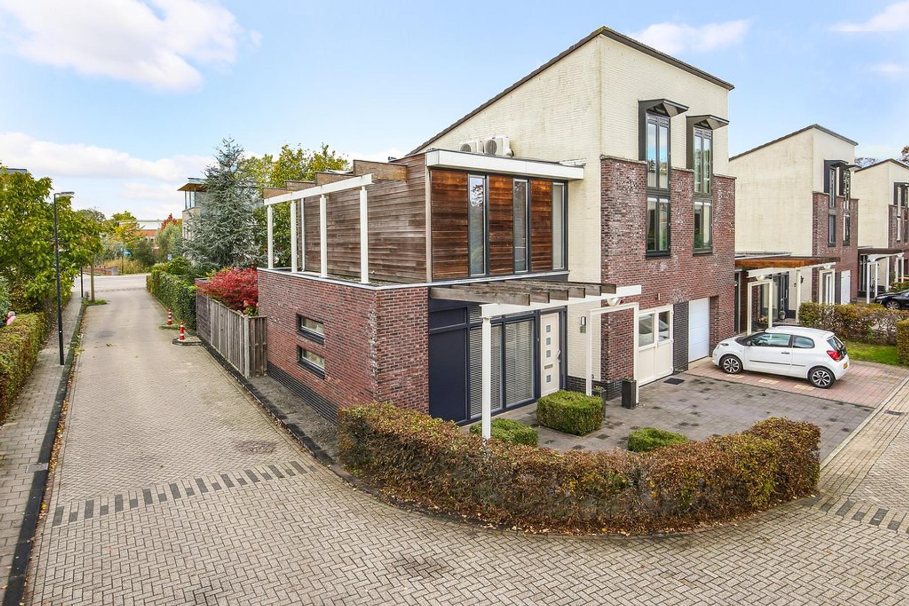 Dirk Schaferstraat 1 in Deventer 7425 HJ