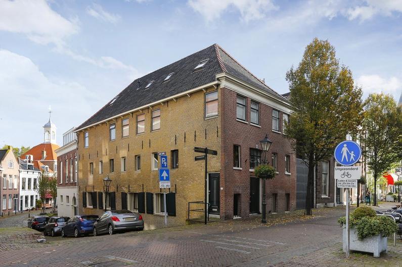 Dam 10 C in Schiedam 3111 BD