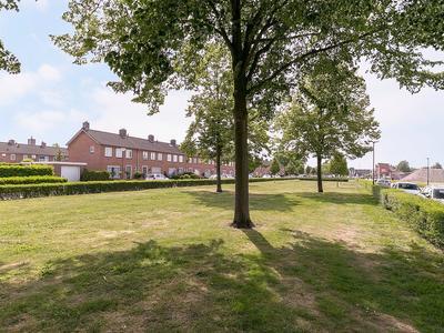 Burgemeester Smeelelaan 32 in Waalwijk 5144 AS