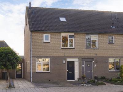 Ridder Van Tuylstraat 9 in Deil 4158 GJ