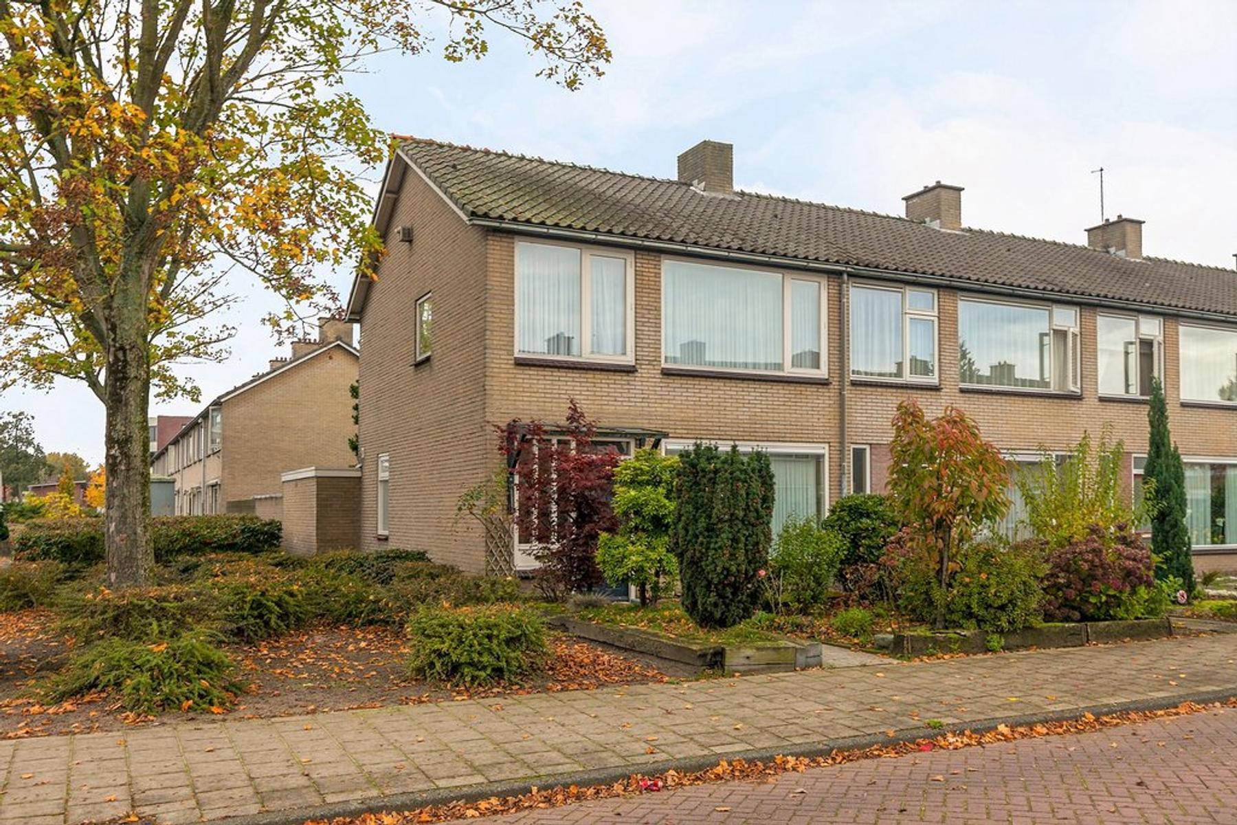 Stijn Streuvelsstraat 36 in Waalwijk 5144 SL