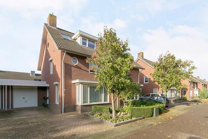 Middachtendreef 26 in Helmond 5709 RW