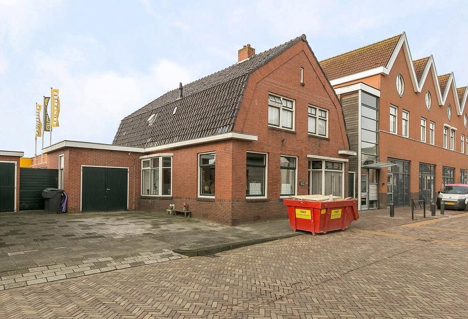 Oosterstraat 8 in Uithuizen 9981 CP