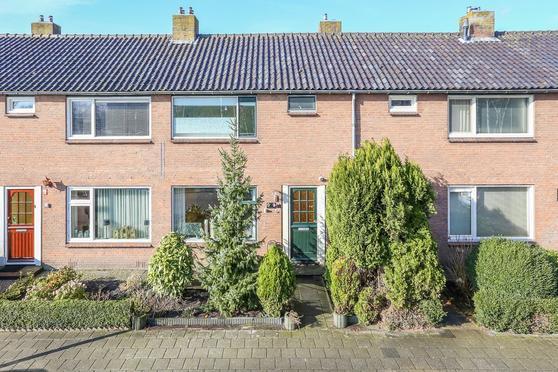 Karst De Jongweg 68 in Heerenveen 8442 GS