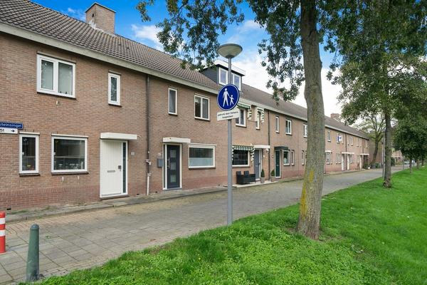 Loevesteinsingel 49 in Rotterdam 3077 HL