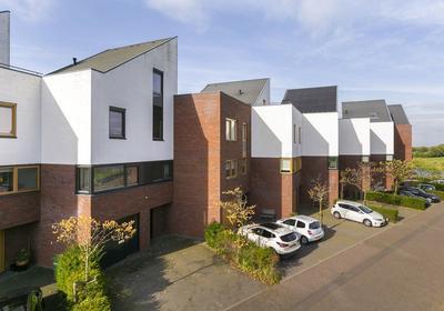 Het Kanteel 42 in Waalwijk 5146 CG