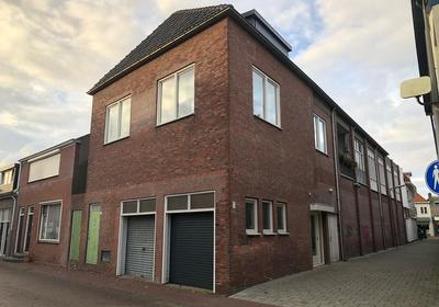 Klaverstraat 3 in Steenbergen 4651 DR