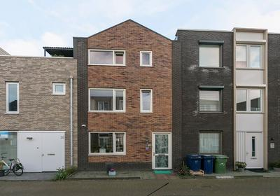 Mazustraat 28 in Almere 1363 RE