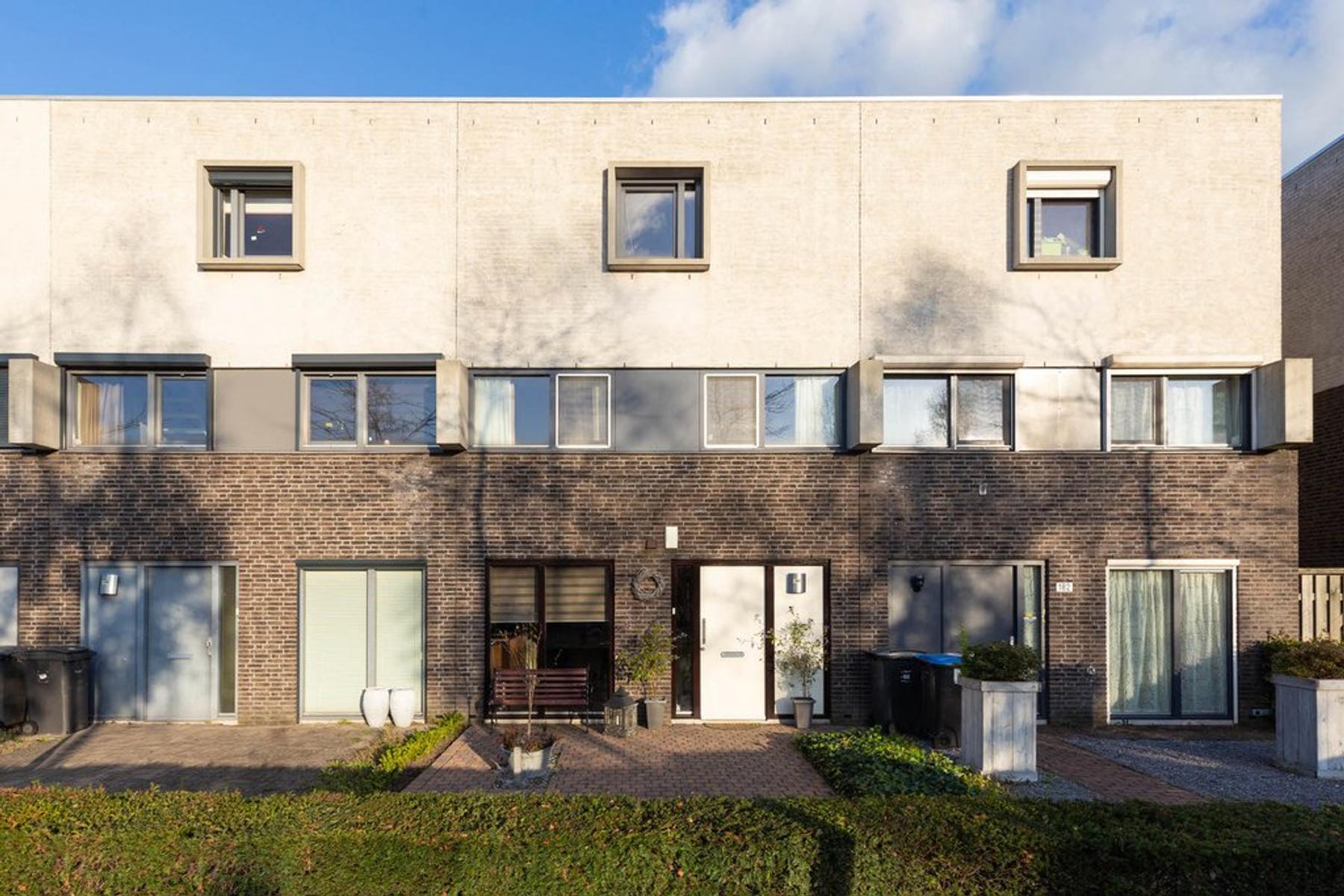 Berenklauw 180 in 'S-Hertogenbosch 5236 SG