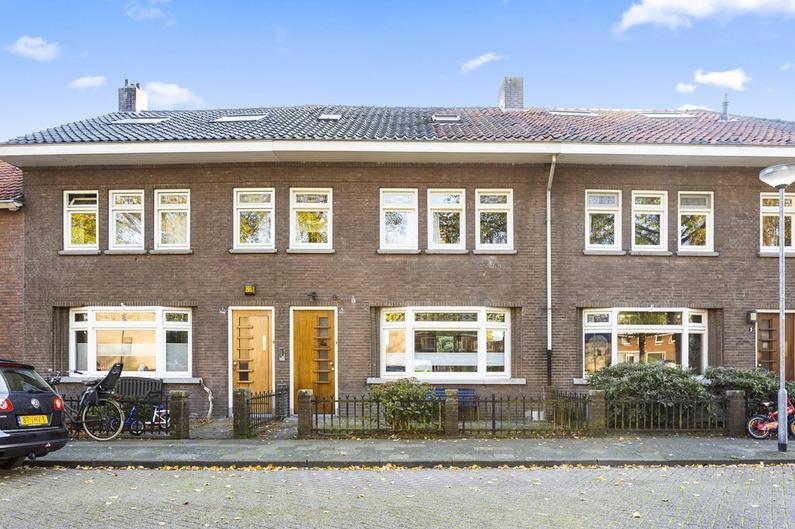 Pastoor Schutjesstraat 5 in 'S-Hertogenbosch 5231 PW