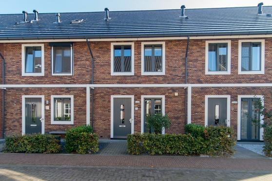 Van De Weerterf 5 in Veenendaal 3907 MD