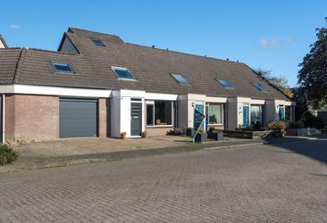 Hofmark 318 in Almere 1355 JB
