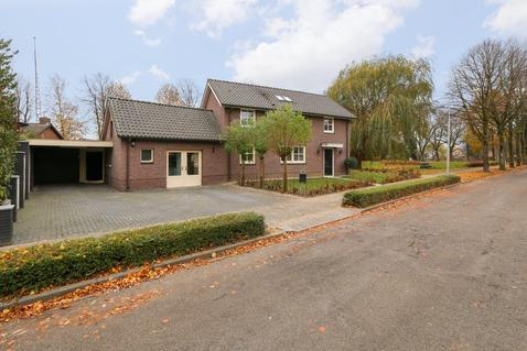 Middendam 15 in Alphen 6626 AG