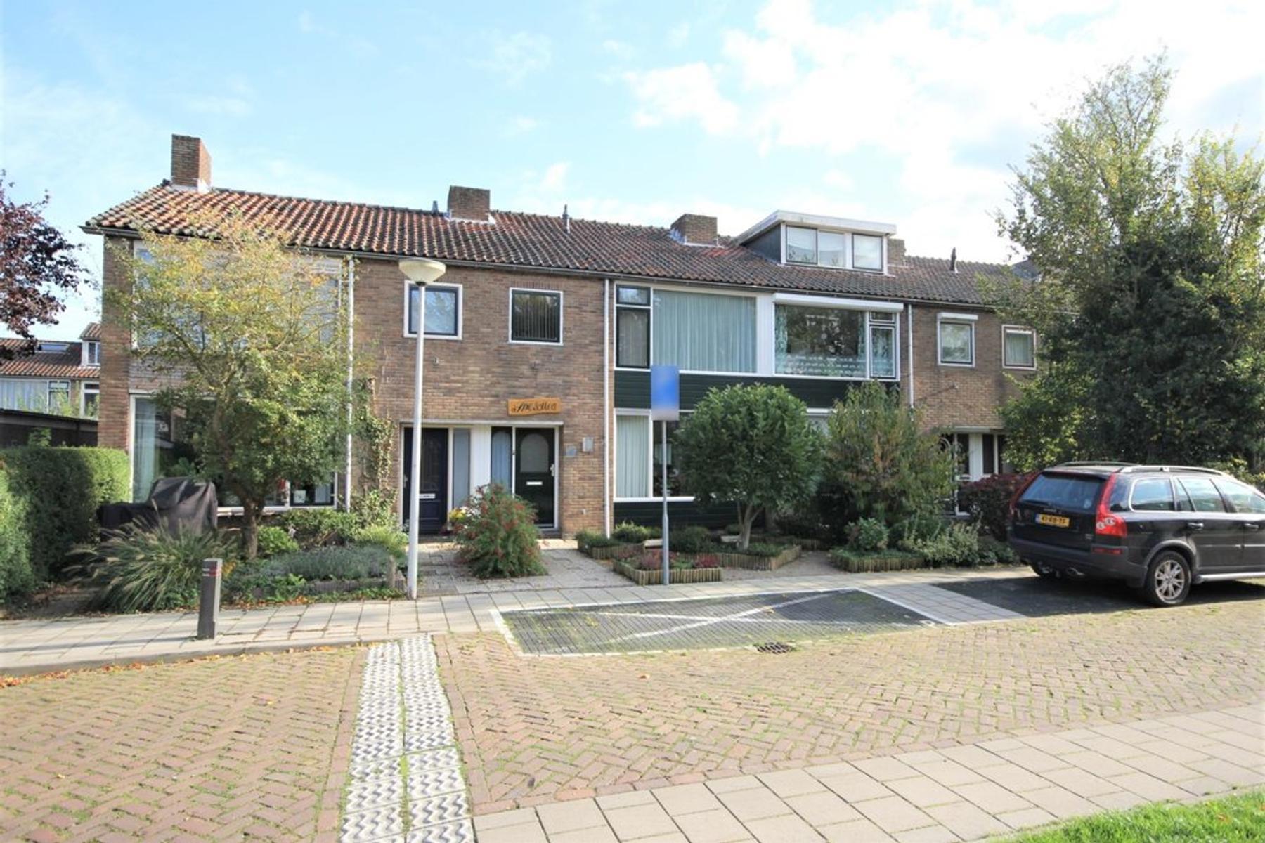 Justus Van Effenstraat 3 in Papendrecht 3351 GL
