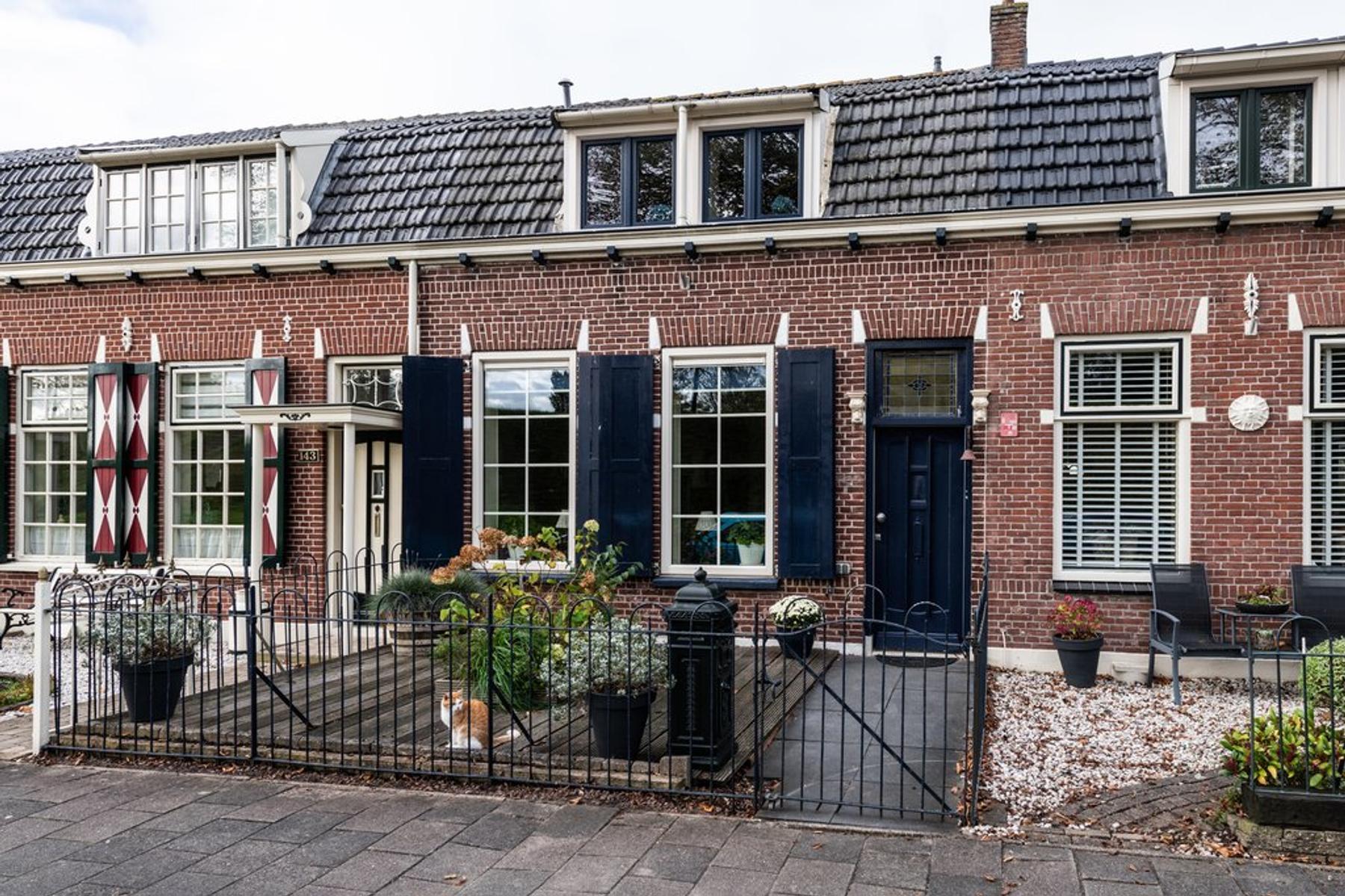 Benedenrijweg 145 in Ridderkerk 2983 GB