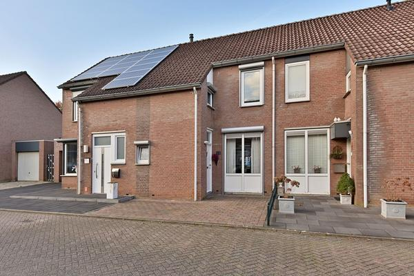 Antracietstraat 12 in Geleen 6163 LR