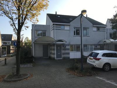 Dr. J.M. Den Uylstraat 12 in Gorinchem 4207 NK