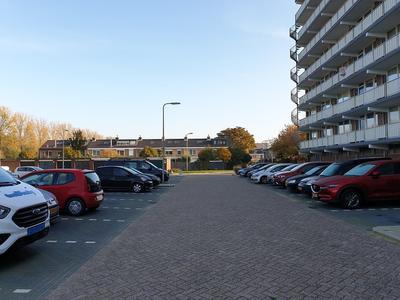 Merelhoven 25 in Capelle Aan Den IJssel 2902 KA