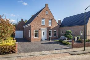 Grote Kerkstraat 2 C in Wijk En Aalburg 4261 BD