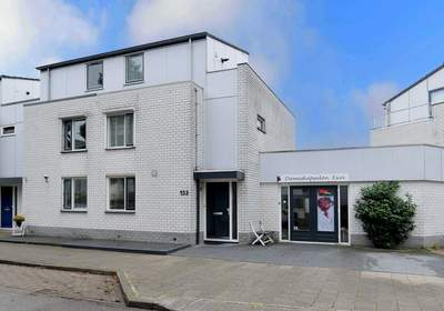 Bronsinklaan 133 in Deventer 7421 EN