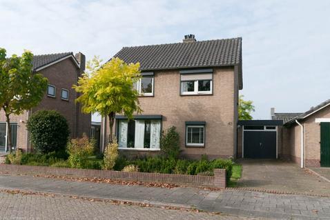 Wethouder Broekmanstraat 41 in Weurt 6551 BB