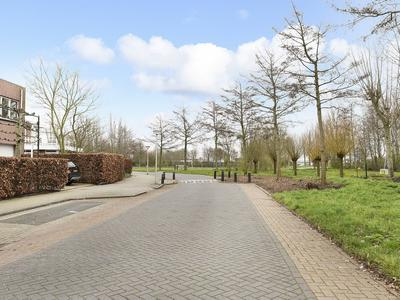 Randmeerstraat 130 in Lisse 2162 LN