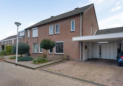Dahliastraat 5 in Weert 6002 WX
