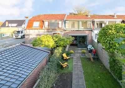 Hoorn 37 in Alphen Aan Den Rijn 2404 HG