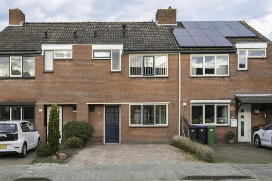 Ambrozijnberg 220 in Roosendaal 4707 MR